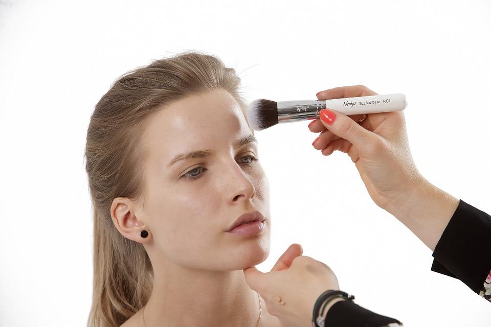 Maquillage du visage : teint